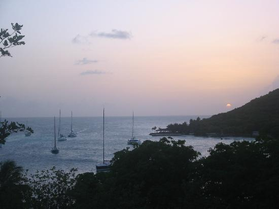 Petit St. Vincent Resort: Sunset over the harbor