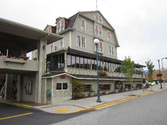 Campbell's Pub & Veranda: Campbell's - Bistro on first floor