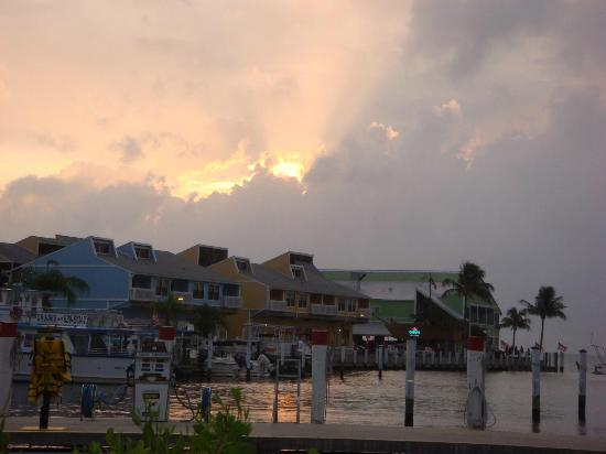 PG Waterfront Hotel & Suites : Sunset over Fishermen's Village