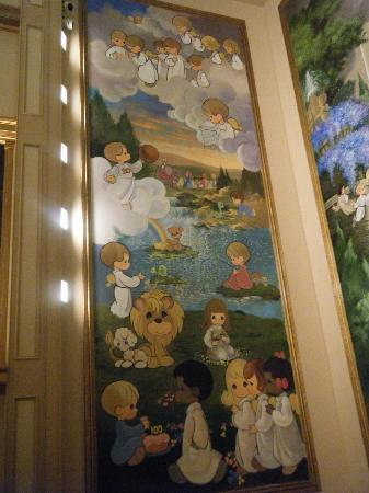 Precious Moments Park: one mural in hallelujah square