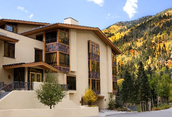 Edelweiss Lodge & Spa: Fall colors in TSV