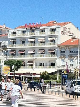 Hôtel Le Beau Séjour : von der Promenade