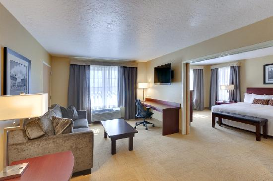 University Guest House & Conference Center: King Suite Deluxe