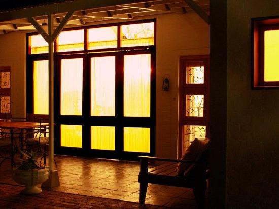 Karoo Retreat : Chat late into the night on the veranda