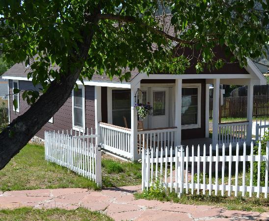 ريفر روك كوتيدجيز: River Rock Cottages