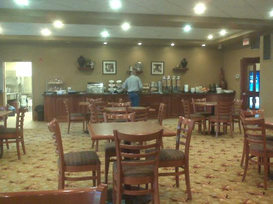 BEST WESTERN PLUS Meridian Hotel: Contintental Breakfast Area