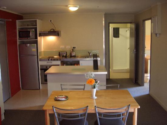 Nikau Apartments: fully equipped kitchens and dining area