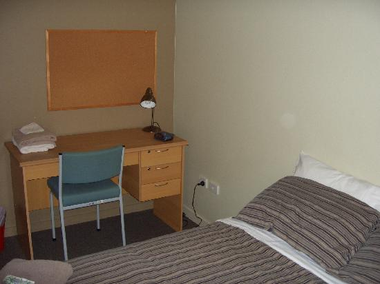 Nikau Apartments: double beds in separate bedrooms