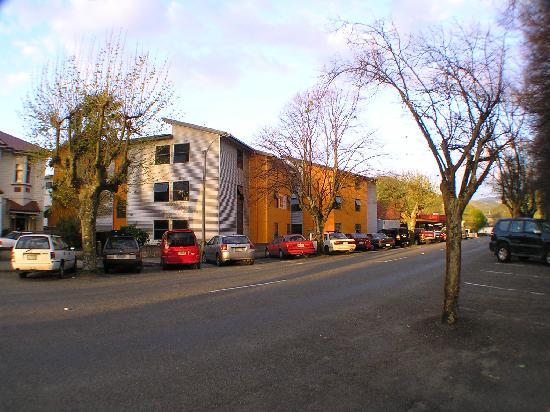 Nikau Apartments : on the edge of Nelson CBD