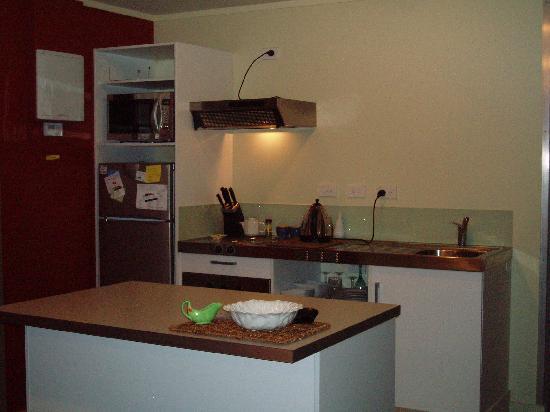 Nikau Apartments : four bedroom apartment kitchen