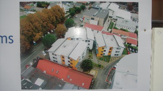 Nikau Apartments: aerial view of complex