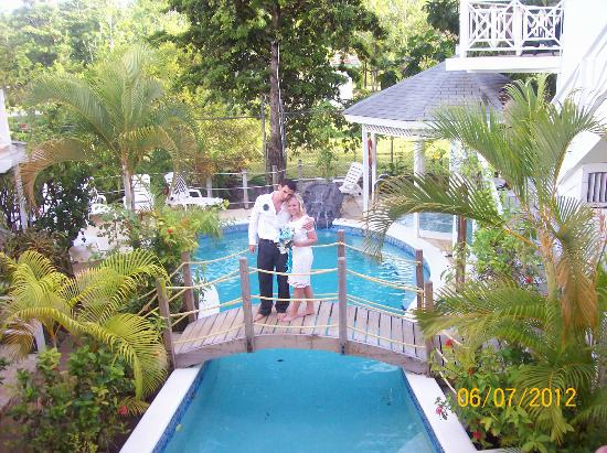 Rondel Village: Lovely pool area