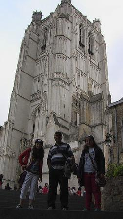 Saint-Omer Cathedral : in front of the cathedral