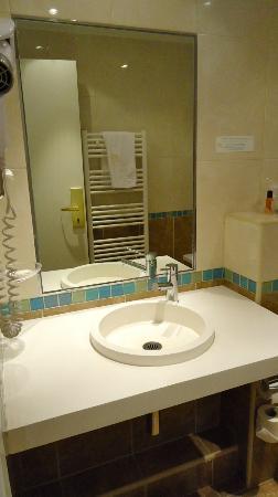 Hotel Etoile Saint-Ferdinand: bath