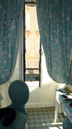 Hotel Etoile Saint-Ferdinand: windoo