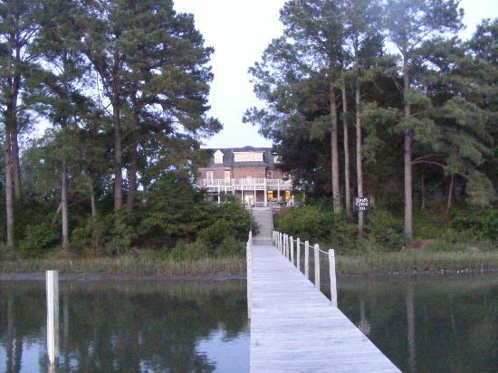 King's Creek Inn: looking back from the dock