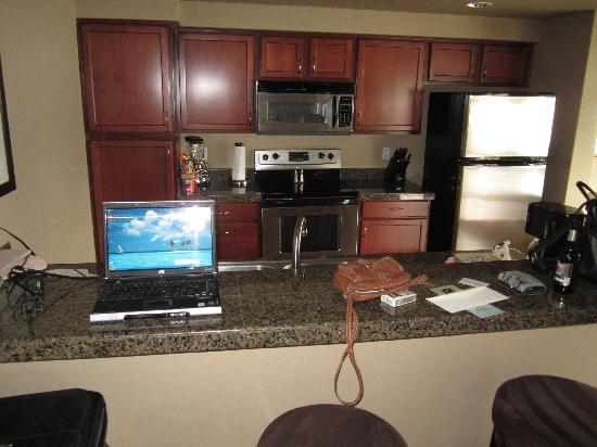 GrandView On The Lake: Kitchen of unit 204