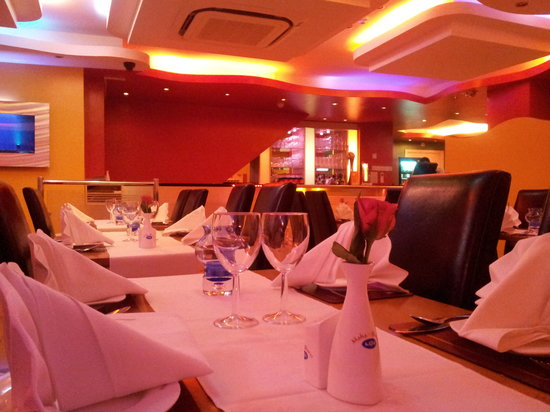 Maha-Bharat Indian Restaurant: Subtle Fine Dining Interior