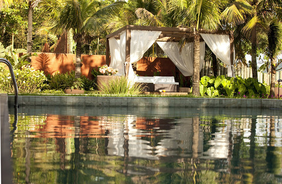 Nau Royal Hotel Boutique & Spa: Piscina e Jardins