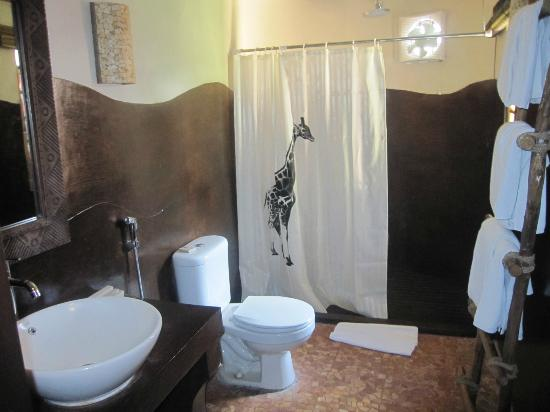 Mara River Safari Lodge : bathroom