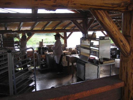 Merridale Bistro: outdoor kitchen