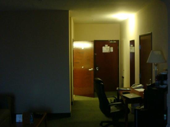 Comfort Suites : room