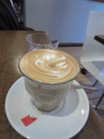 Three Monkeys Cafe: Great coffee