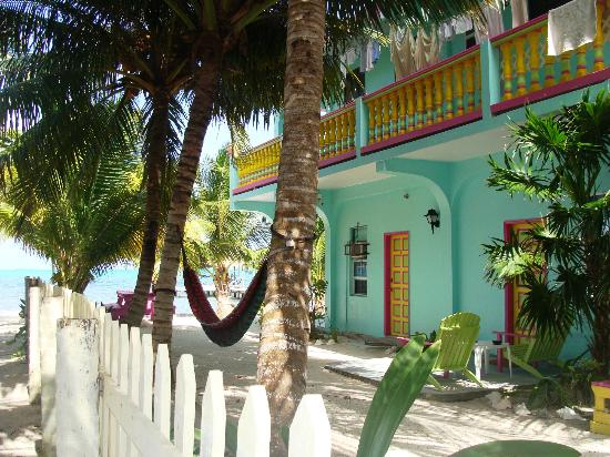 Barefoot Beach Belize: hotel from the side street