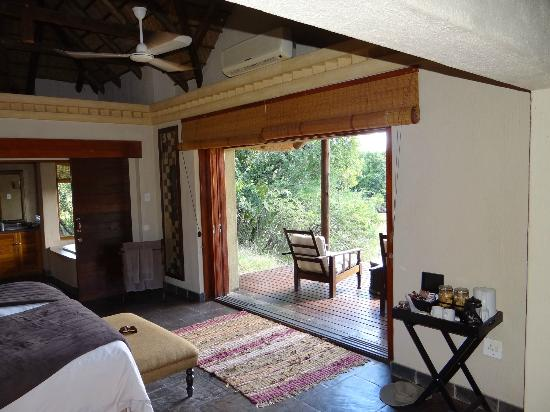 Waterbuck Game Lodge: Our Bungalow