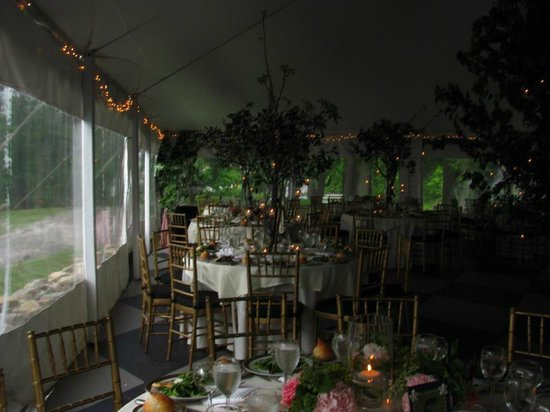 Belvedere Mansion: Another peak at the tent and tables...