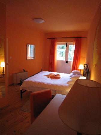 Aparthotel Bracka Perla: Bedroom