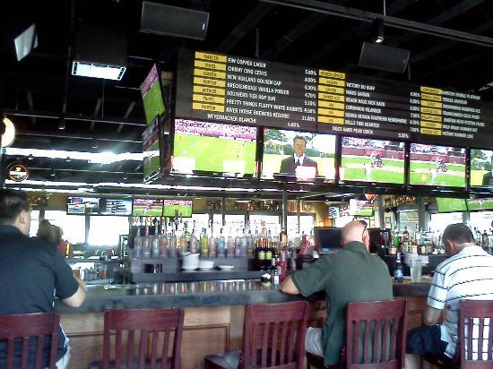P.J. Whelihan's Pub + Restaurant [Allentown]: PJ's on Schoenersville Rd, Bethlehem
