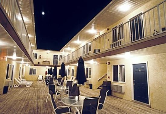 Seaside Heights, Nueva Jersey: SUnburst Motel 2 Deck