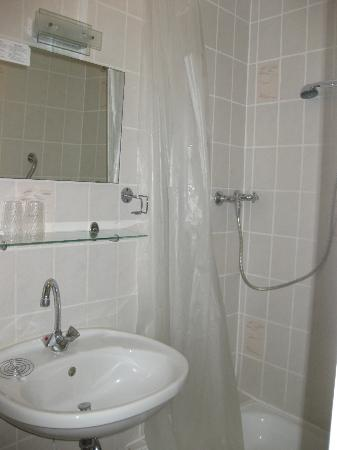 Boppard Hotel Ohm Patt: Bathroom
