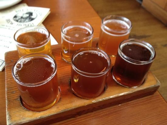 Bill's Tavern & Brewhouse : the sampler