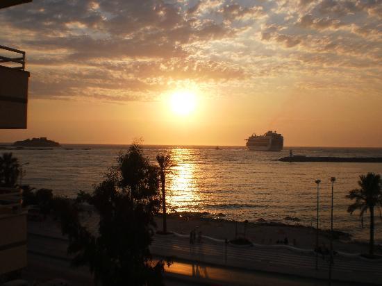 Sozer Hotel : Sunset