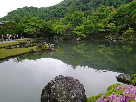 Tenryuji Temple: The Peaceful Lake