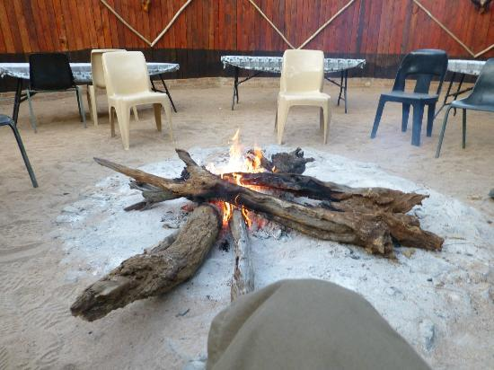 Tshukudu Bush Camp: Boma area,