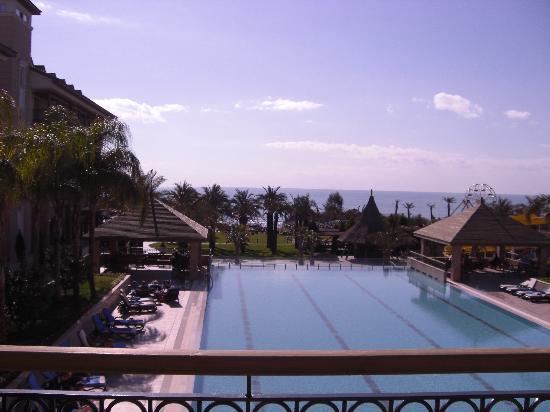 Alva Donna Beach Resort Comfort: Zimmer mit Pool- und Meerblick