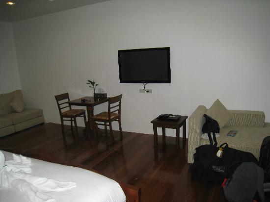 Grand Hill Residence: room