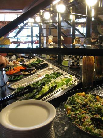Sizzler: The salad bar