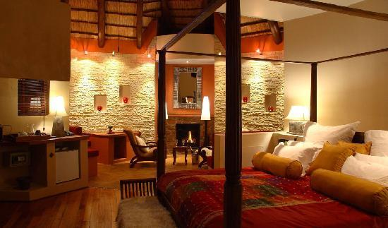 Maliba Mountain Lodge : The honeymoon suite - one of 6 private 5 star chalets