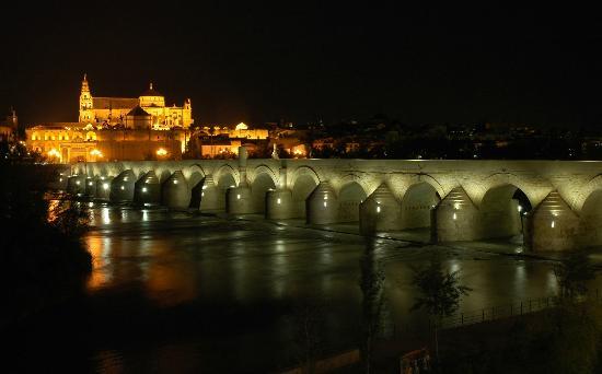 Cordoba, Spanien: Córdoba de noche