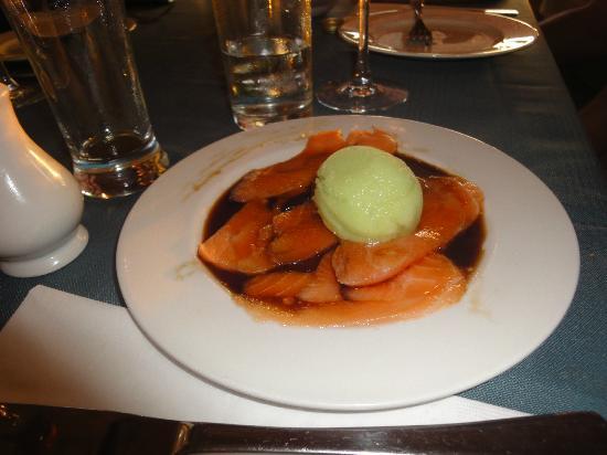 uri buri: roher Thunfisch mit Wasabi-Eis