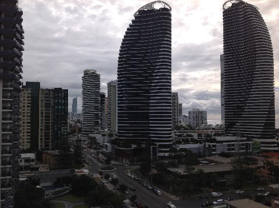 Broadbeach Savannah Resort: great view, pity about the weather.