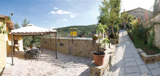 Casa di Sasso: intorno alla casa / around home