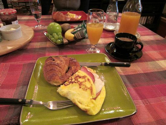 A la Carte Bed & Breakfast: Breakfast