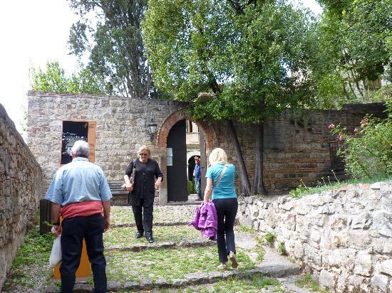 Arqua Petrarca, Italia: l INGRESSO DELLA VILLA