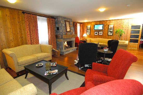 Hotel Diamo: Salon con Tv