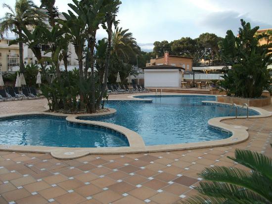 Grupotel Acapulco Playa: Hotel-Pool mit Bar